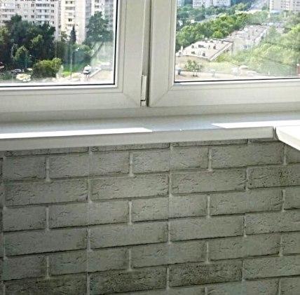 отделка балкона под кирпич фото